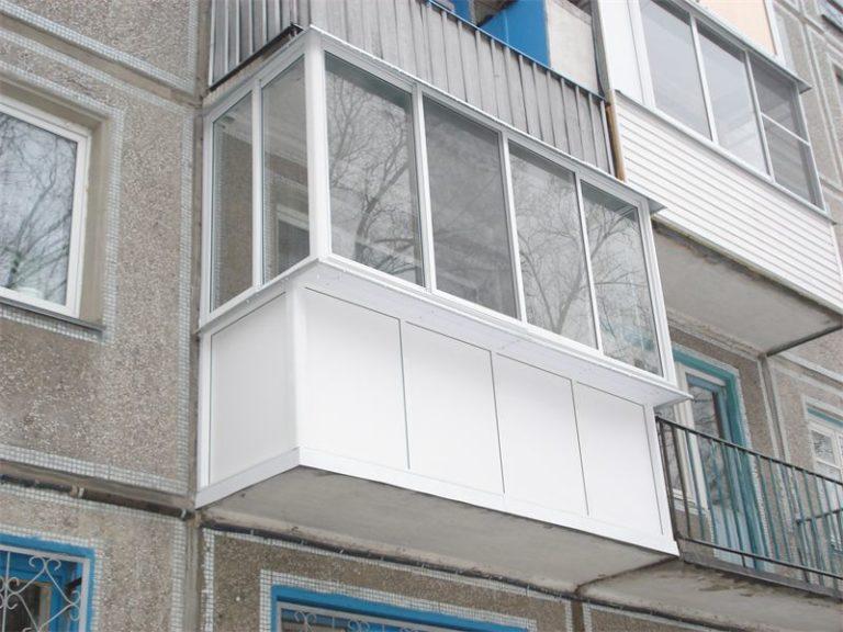 Как и чем обшить балкон панельного дома внутри